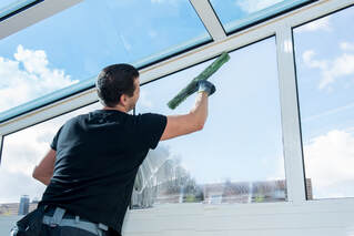 Hobart Glass Cleaning does windows inside and out